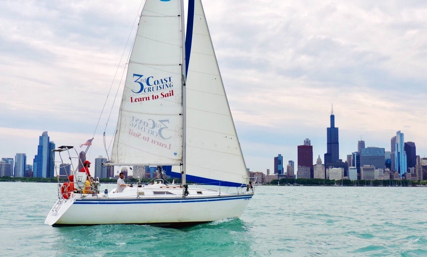 Cruising Monohull rental in Chicago