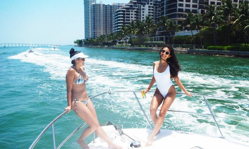45' Sea Ray Yacht for 12 Guests - Best Value!