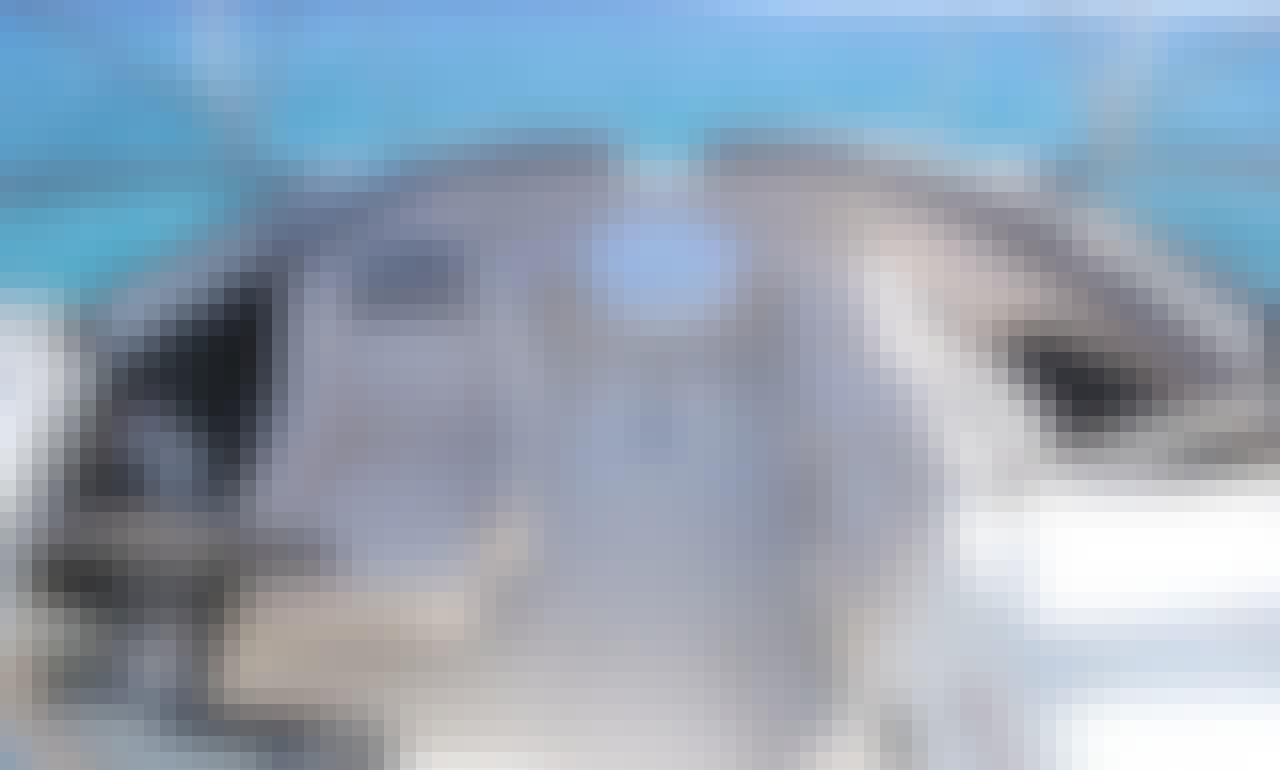24' Yamaha Bowrider - Private Tour to El Cielo Cozumel Sandbar