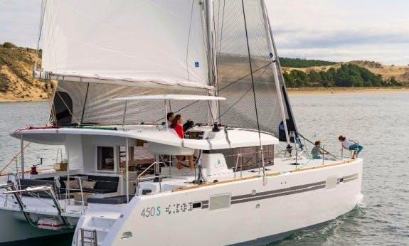 Lagoon 450 Sportop Cruising Catamaran Rental In Baie Sainte Anne, Seychelles