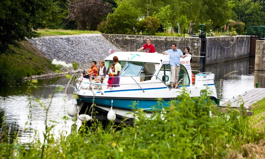 Canal Boat to explore Anjou (4/7 persons)