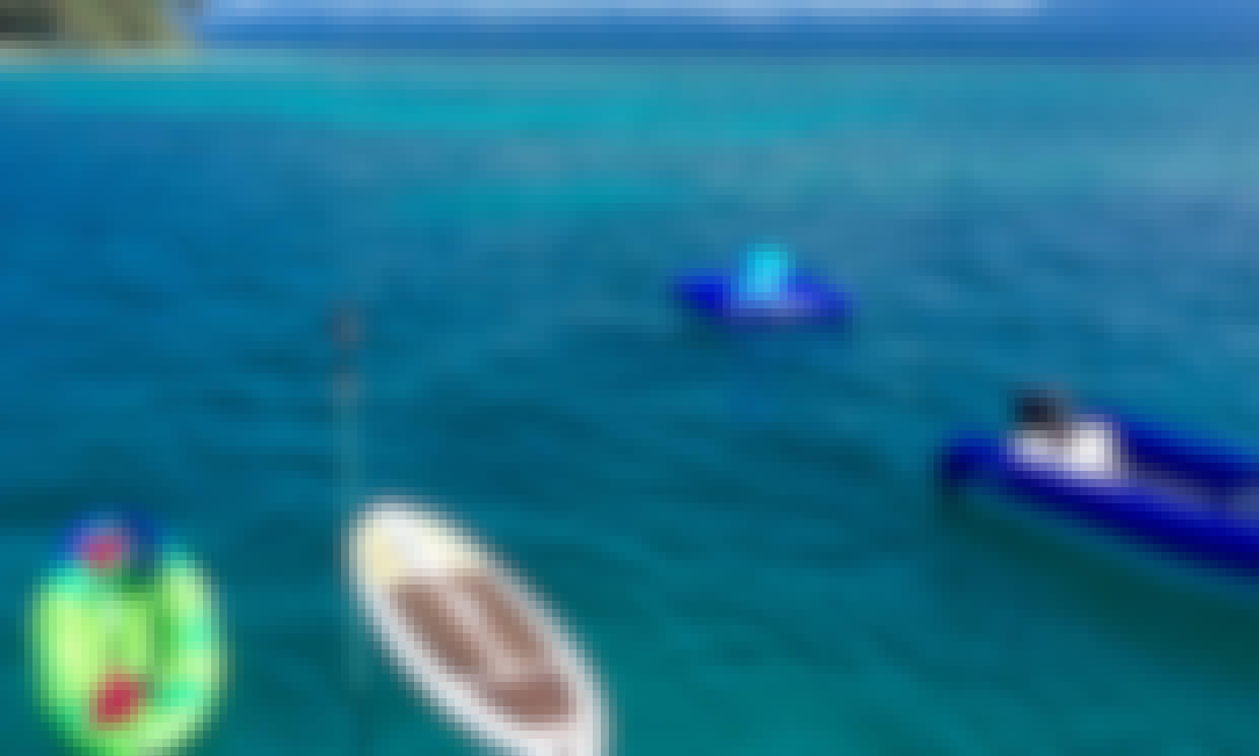 Comfortable catamaran charter around French Polynesia