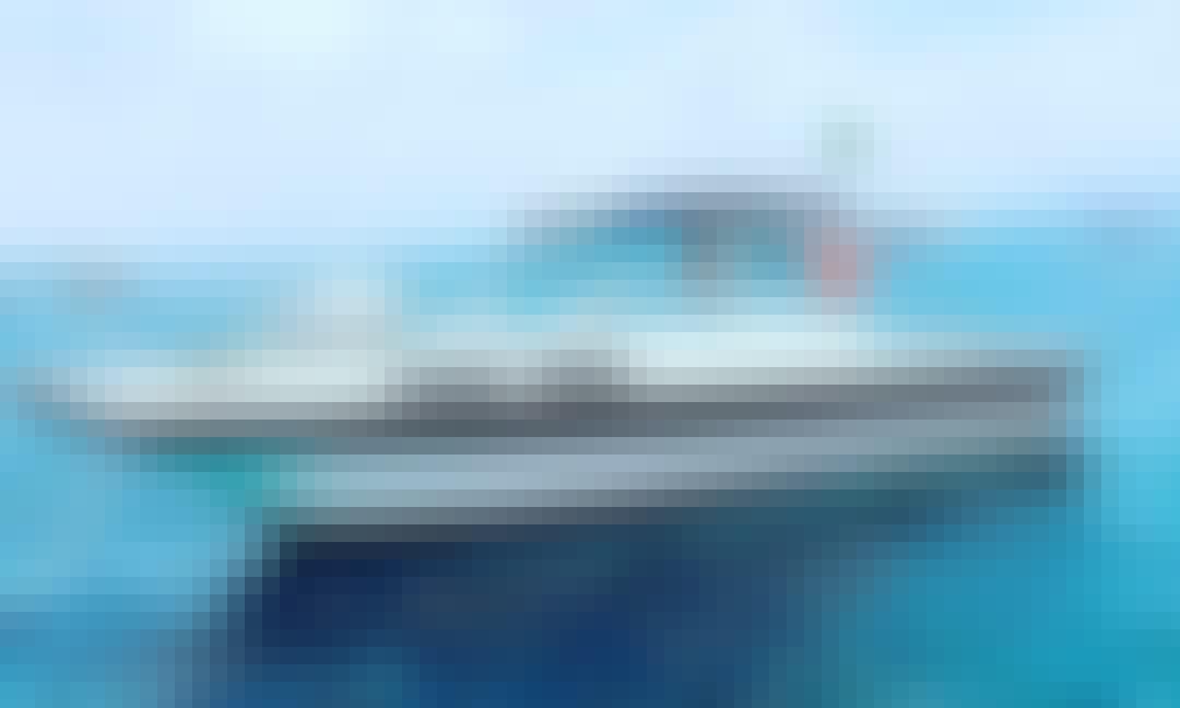 DM 28 Powerboat for 10 People Ready to Cruise around  Armação dos Búzios