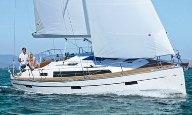 Bavaria Cruiser 37 Cruising Monohull Charter for 7 People in Procida, Italy