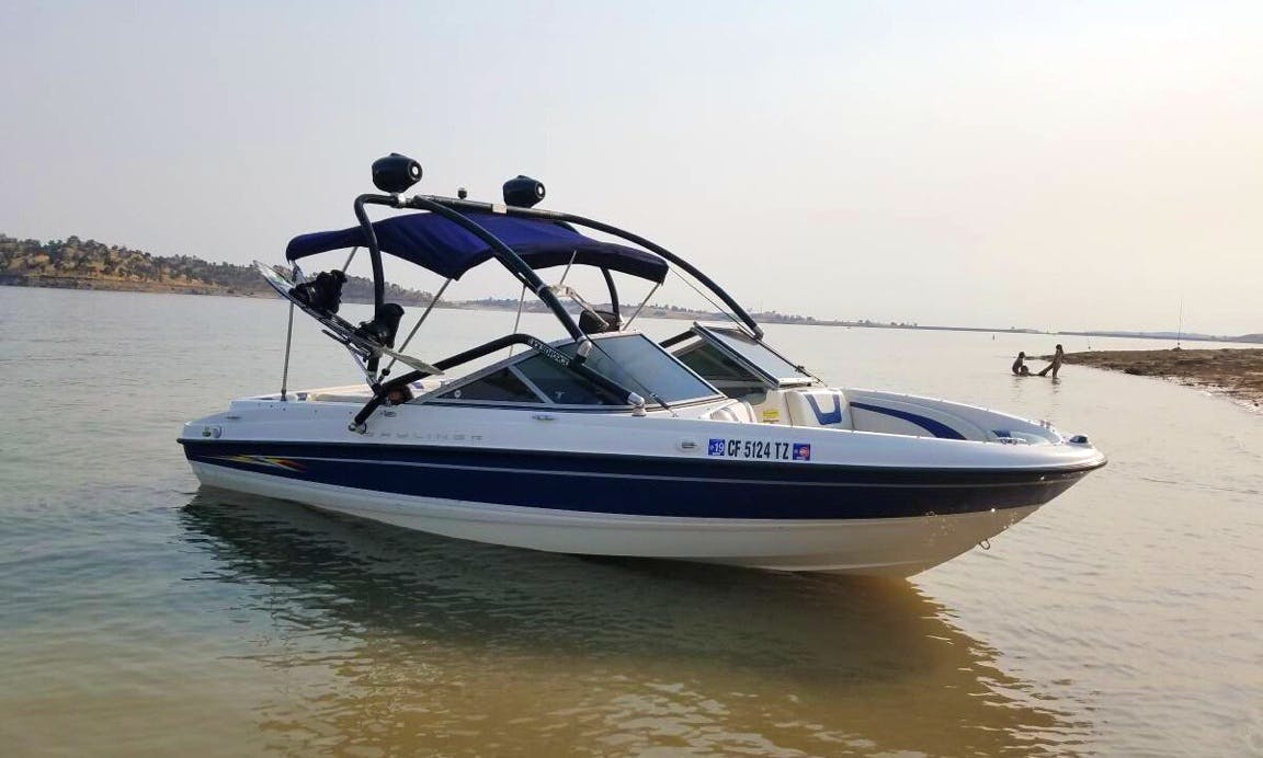 Bowrider Boat for 9 Passenger Rent in Lake Success, CA