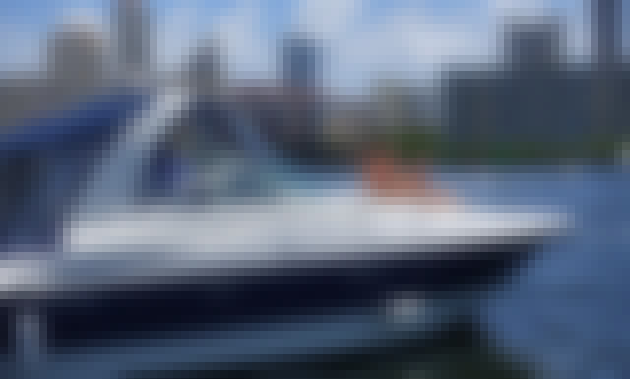 Bachelorette! Family celebration, Fun and-Adventure Awaits ! 40' Cruisers Yacht