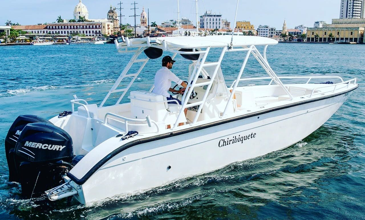 32' Todomar Center Console with Twin 200 hp Mercury Outboard in Cartagena