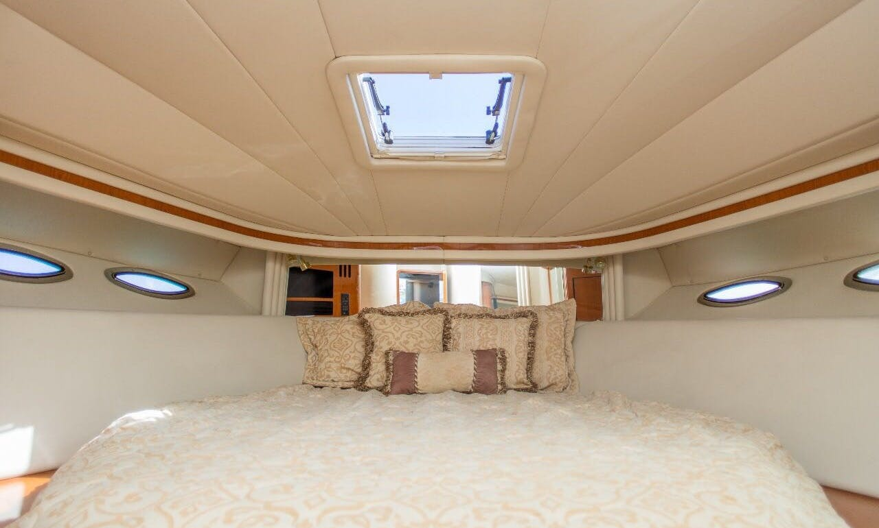 51 foot Sea Ray Yacht rental in Cancún for 12 people