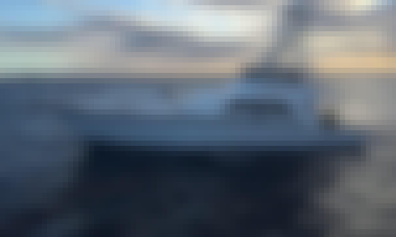 74' Power Mega Yacht Rental in Honolulu, Hawaii for 14 person!