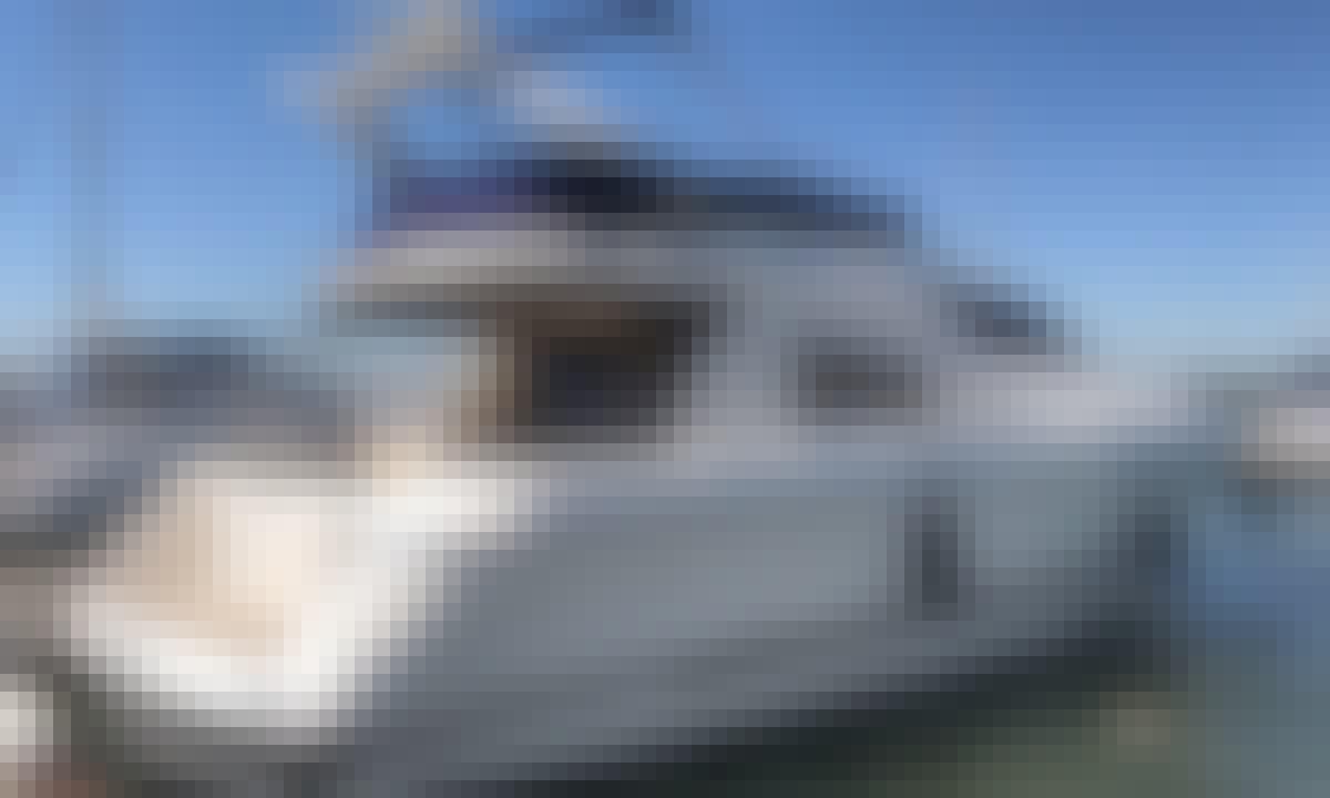 Sunseeker Manhattan 46 Flybridge Motor Yacht Rental in Dubai