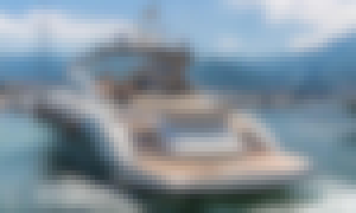 2015 Cranchi 60 Power Mega Yacht Charter in Castellammare di Stabia, Campania
