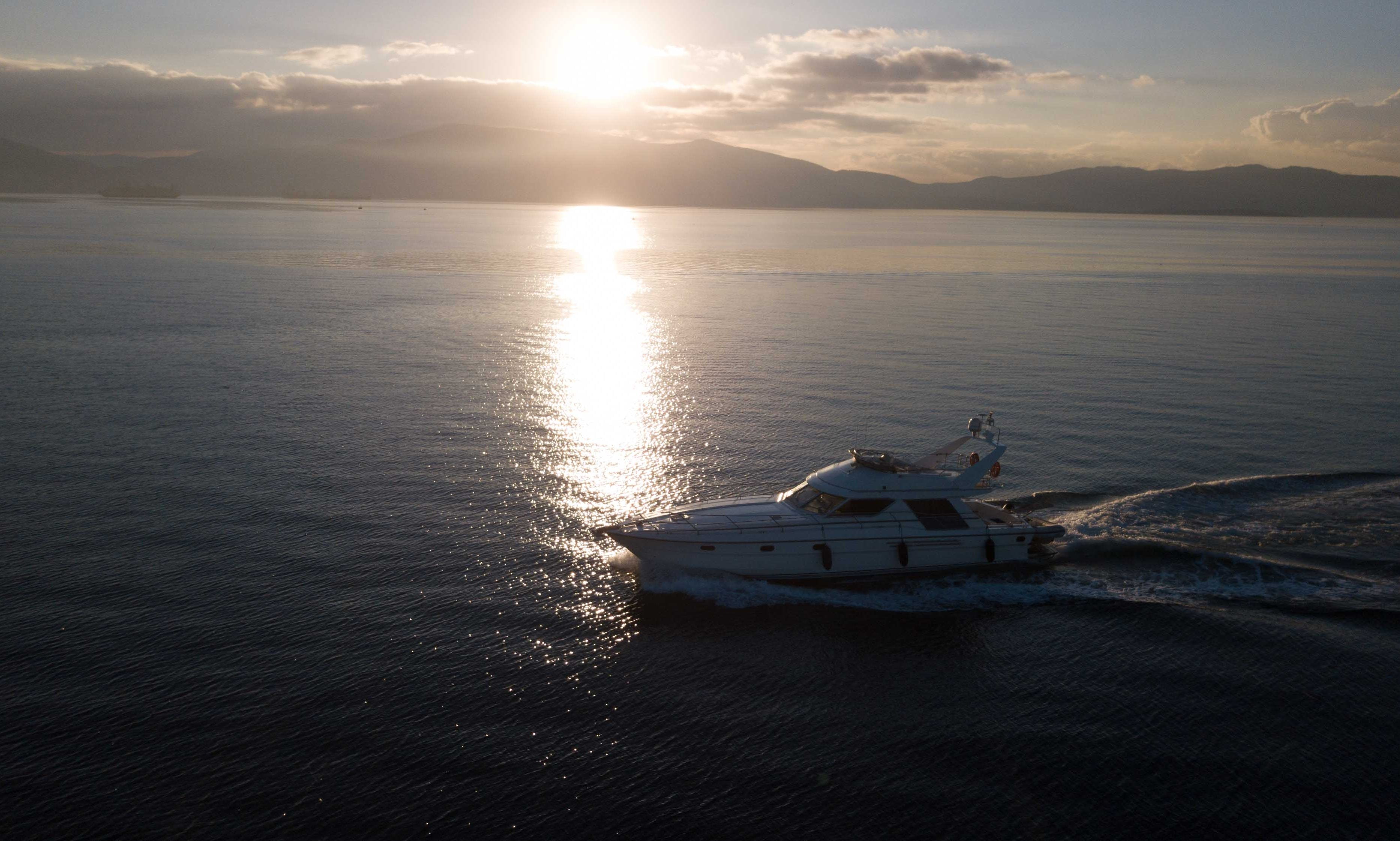 Motor Yacht rental in Alimos