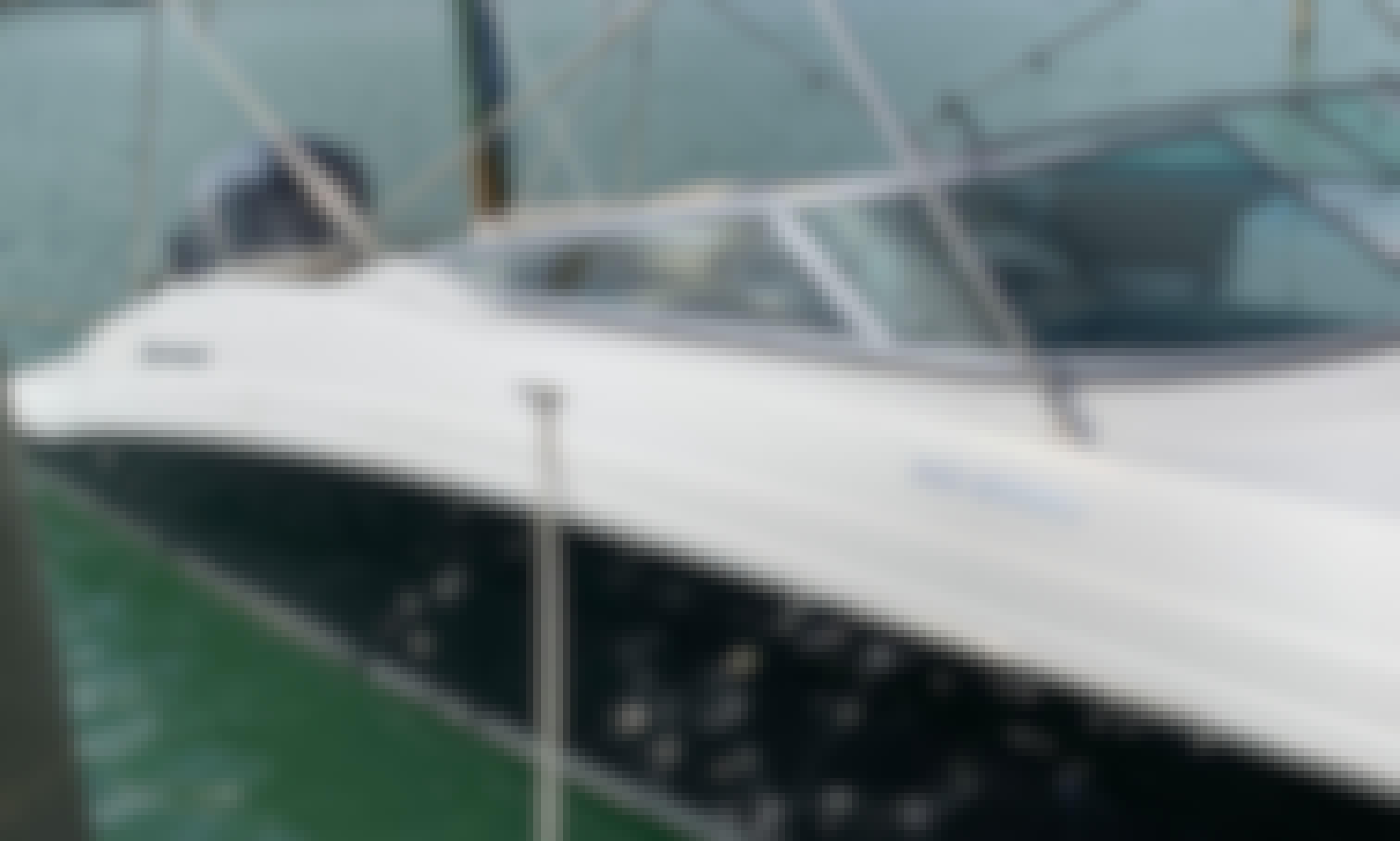 Charter 27' Deck Boat Hurricane in Miami Beach, Florida