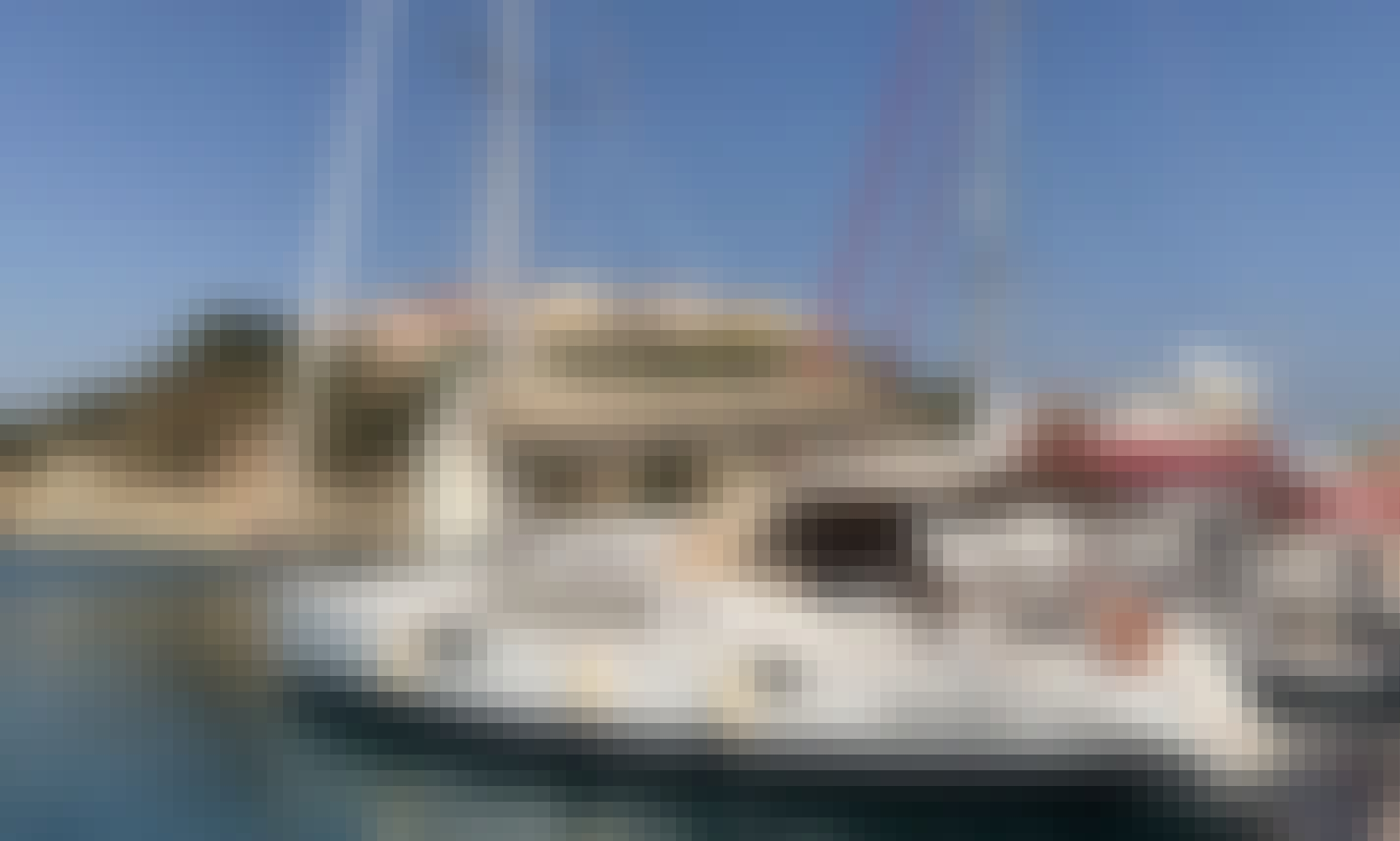 Sun Odyssey 44 Cruising Monohull Rental in Agropoli, Campania