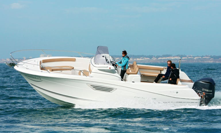 26' Jeanneau Cap camarat 8.5 Center Console Rental In Vallauris, France