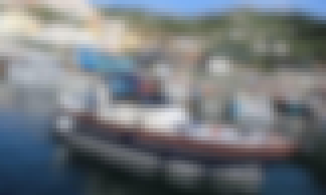 Book a Romantic Night onboard in Positano, Campania!