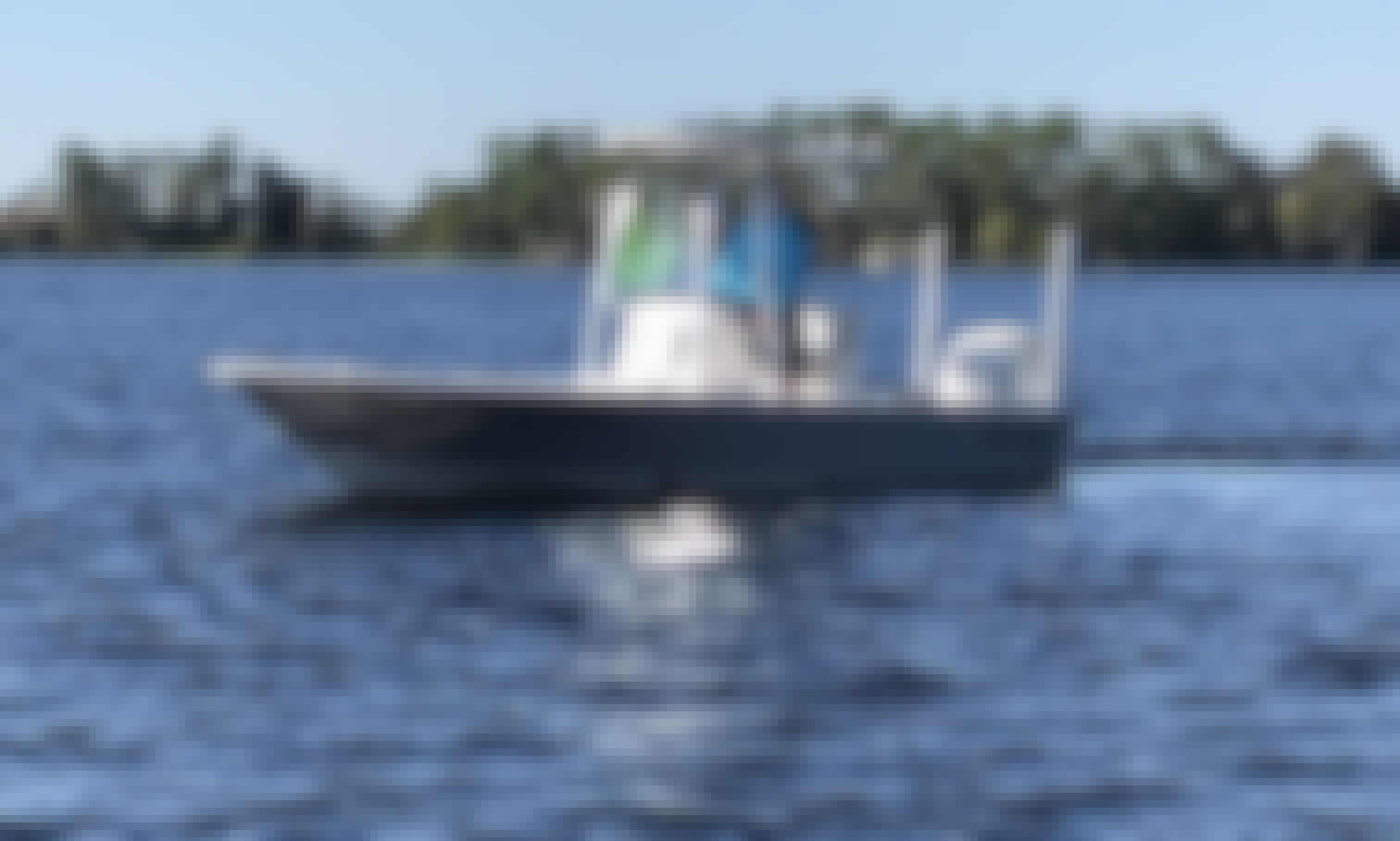 Sea Born FX24 Center Console Boat Rental in Windermere, Florida