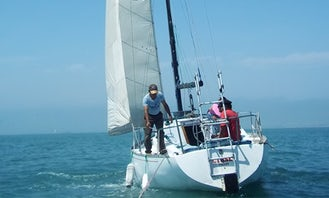 Cruising Monohull Charter - Perfect for 8 People in Lima