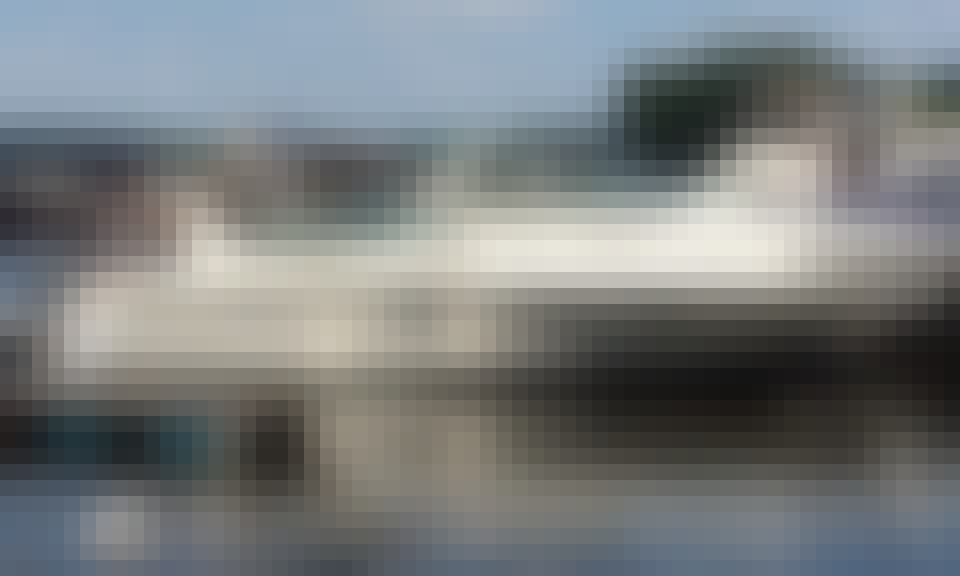 Motor Yacht rental in Montreal