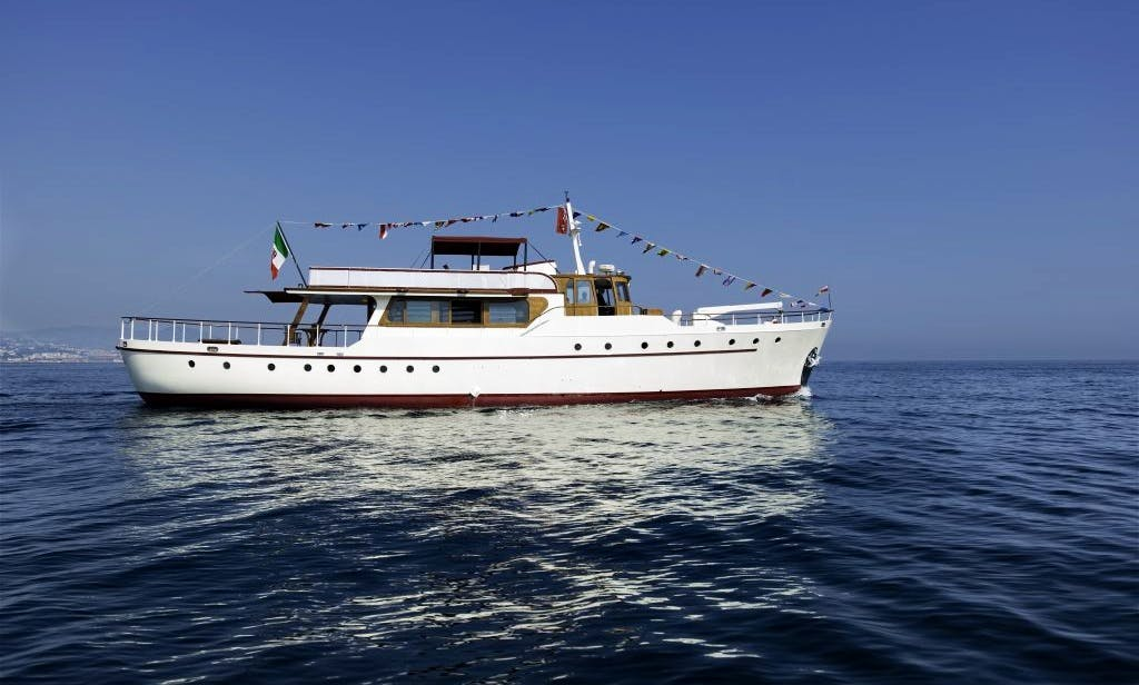 87 ft Silver Yard Motor Yacht Emerald for Rent in Sorrento, Italy