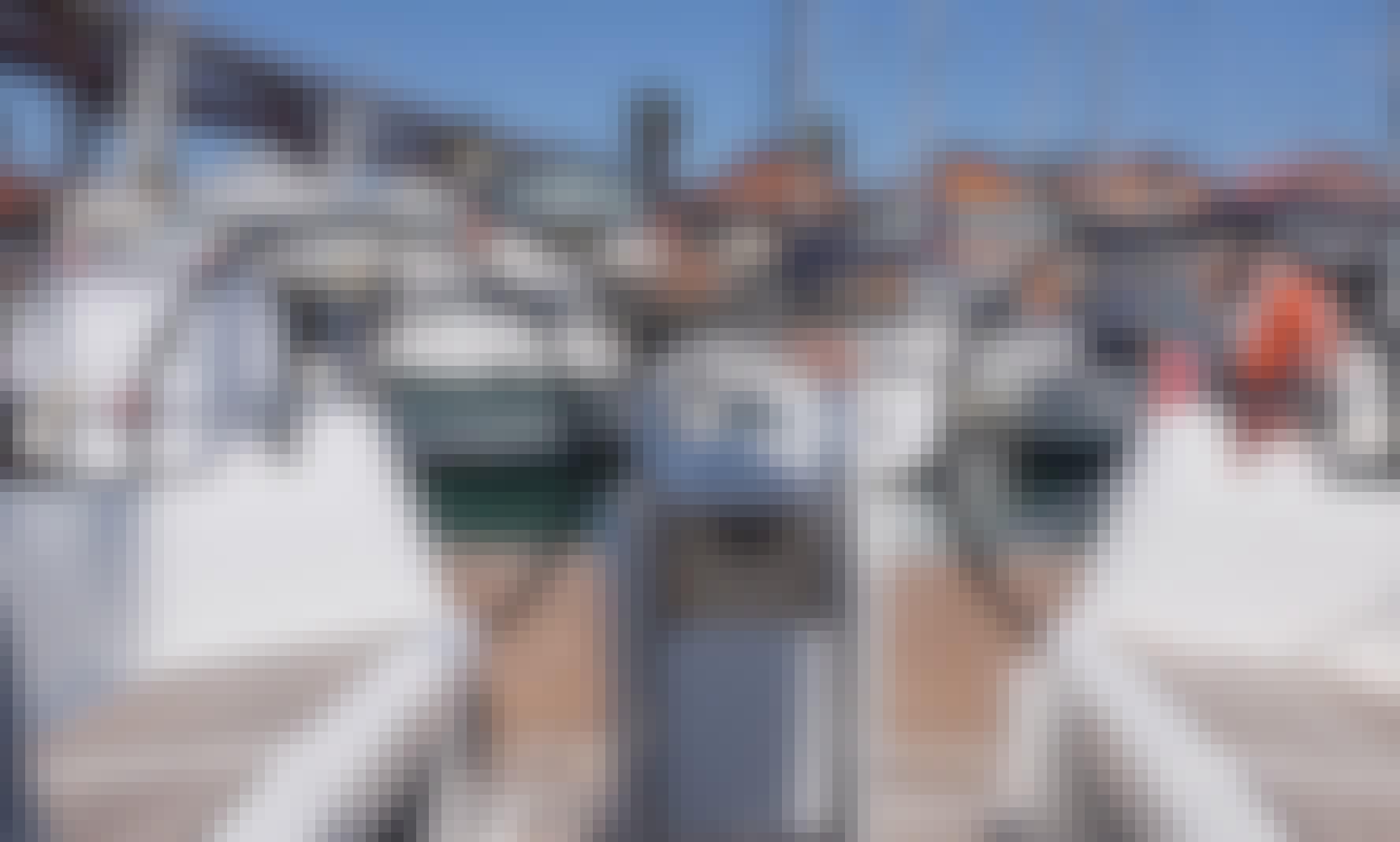 NEW Jeanneau 349 rental in Lisboa/Algarve