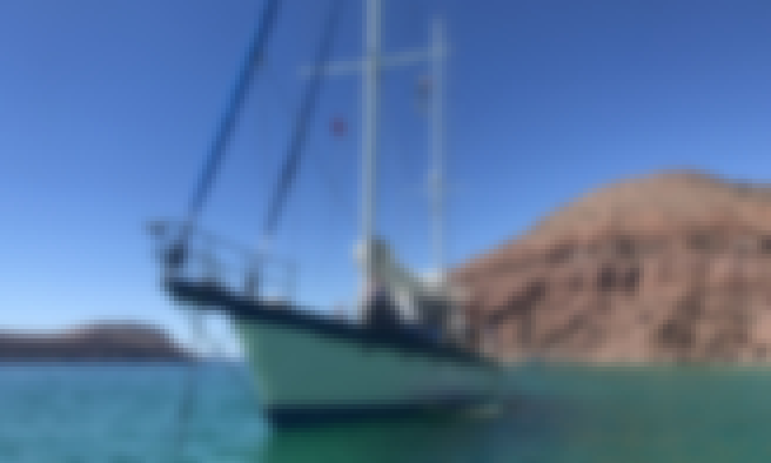 72 feet of fun and adventure in La Paz BCS. charter yacht