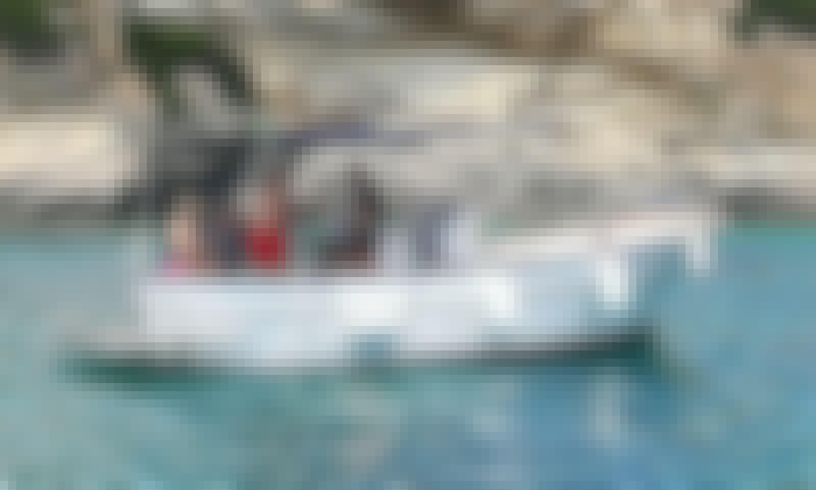 Gozzo in vtr m.8,20 per 12 pax con skipper da noleggiare a Castro marina, noleggio Durlindana.