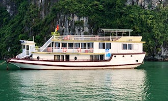 Luxury Cruise in Halong bay On 9 Cabins Passenger Boat
