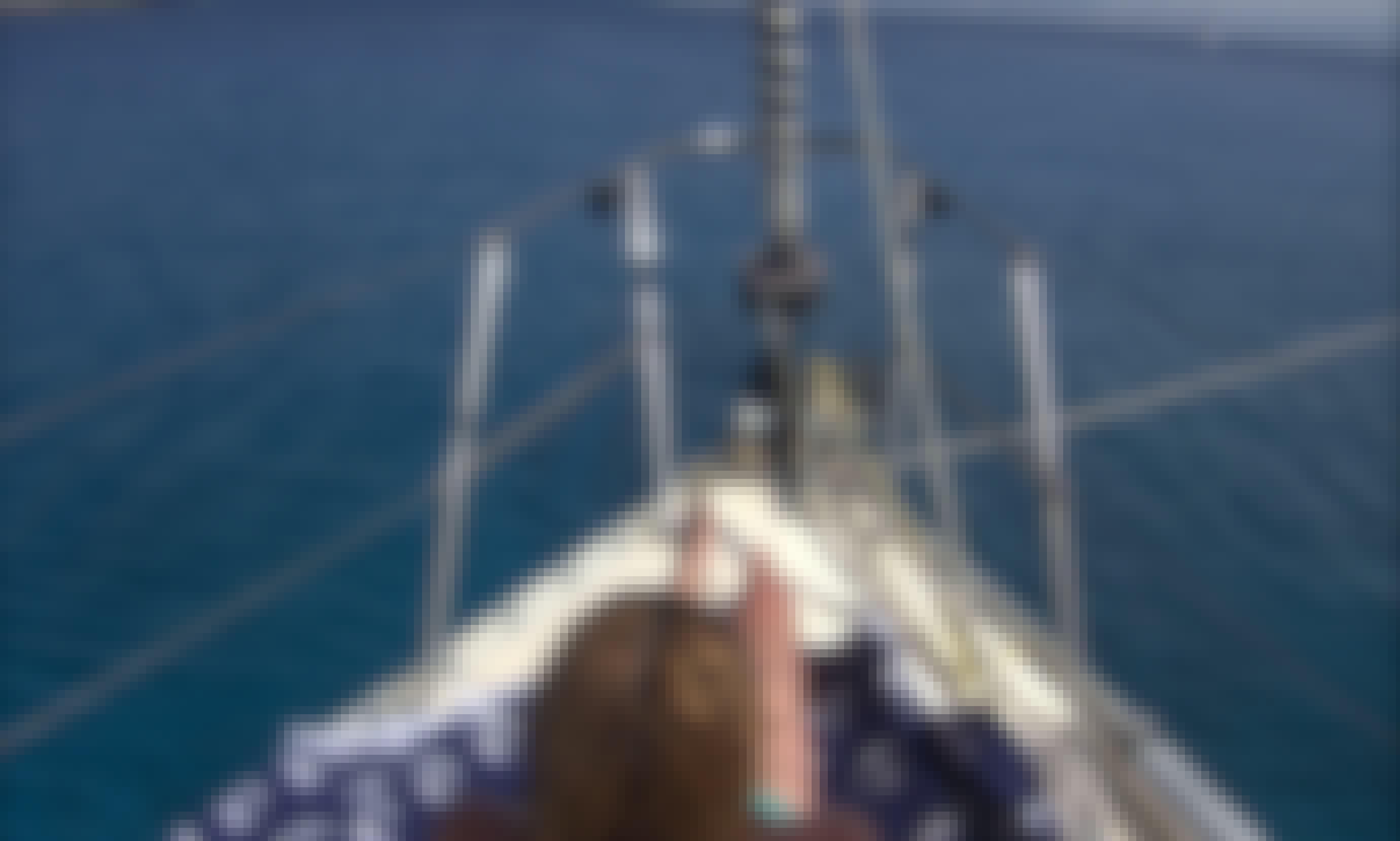 Jeanneau Sun Shine 38 Sailing Yacht for 10 Person in Heraklion, Crete