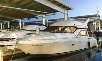Beautiful 35' Queen Charlotte for Day Charter on the Columbia River