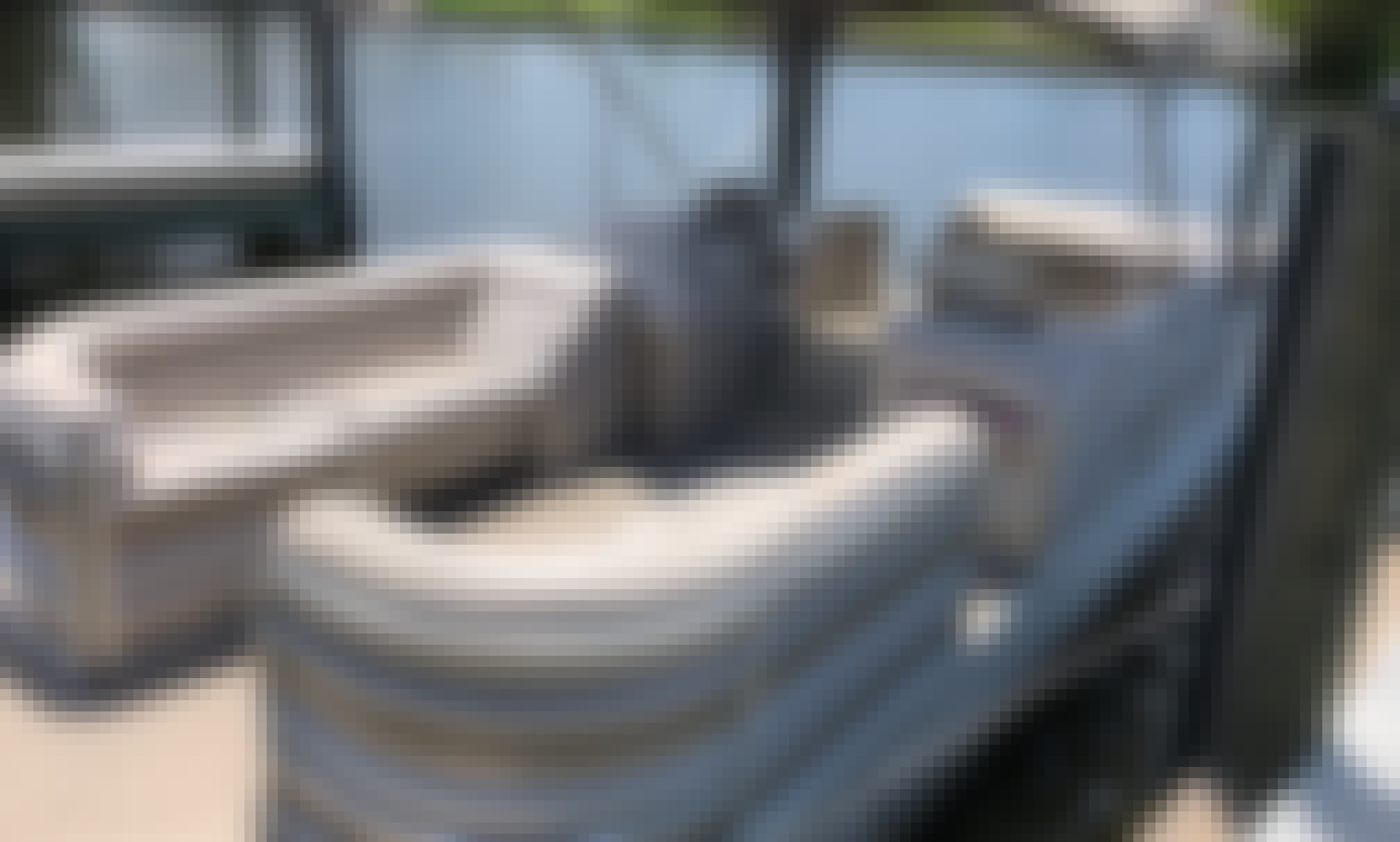 Sanpan 2200RE Pontoon Rental for 8 People in Cape Coral, Florida