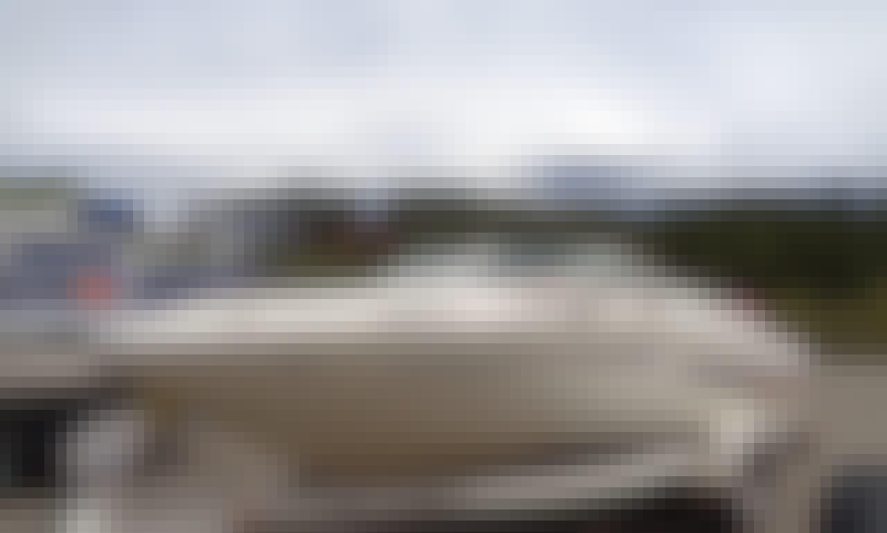 "Sea Ray 18'6"" Sport Bowrider Sterndrive on Grand Lake, Shadow Mountain Lake, or Lake Granby, Colorado"