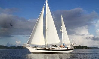 Sailing Yacht Charter for 8 People in Coron, Palawan