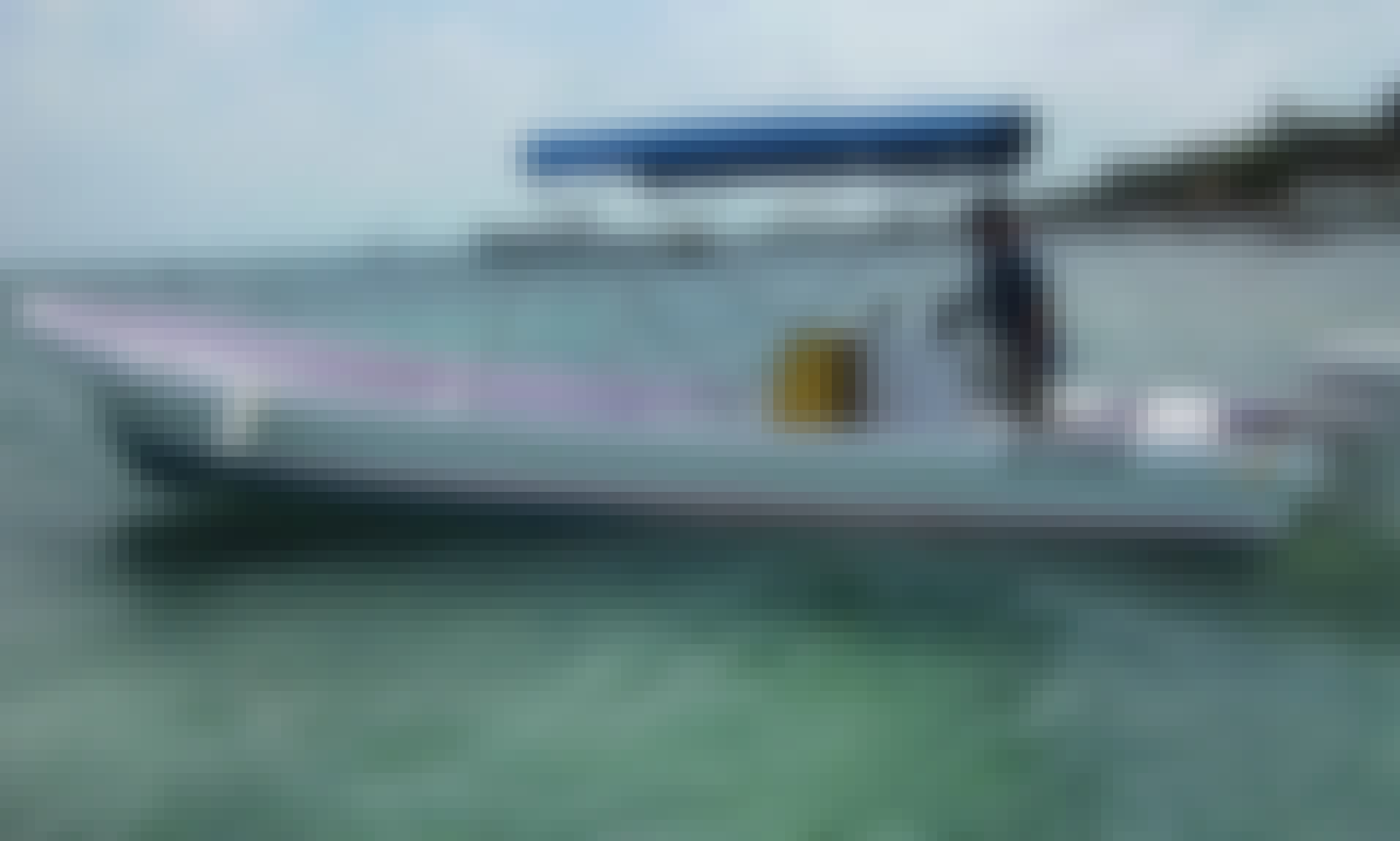 Private Boat Tour for 8 Person in Caye Caulker with Captain Amado
