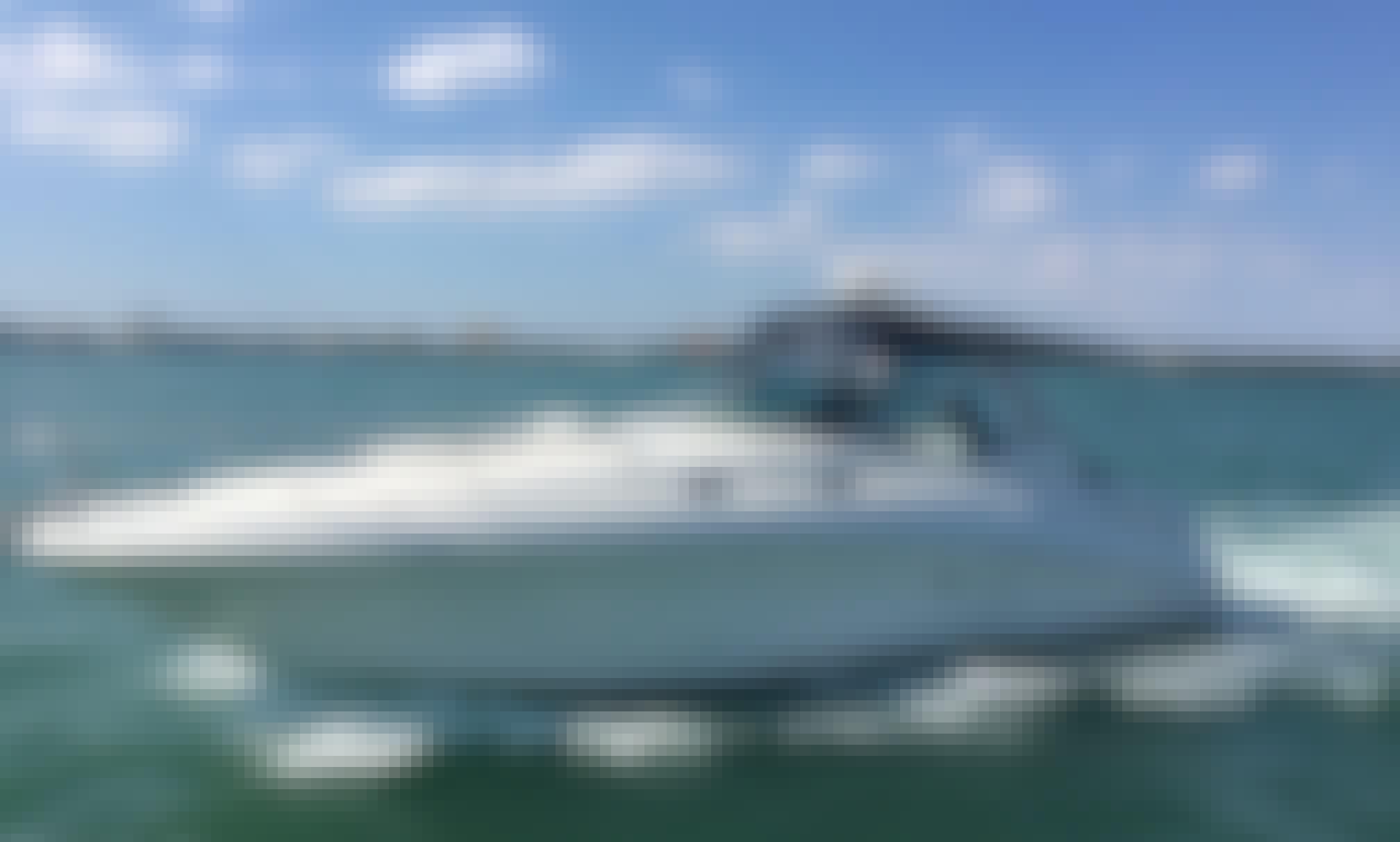 Charter 37' Sea Ray Sports Yacht