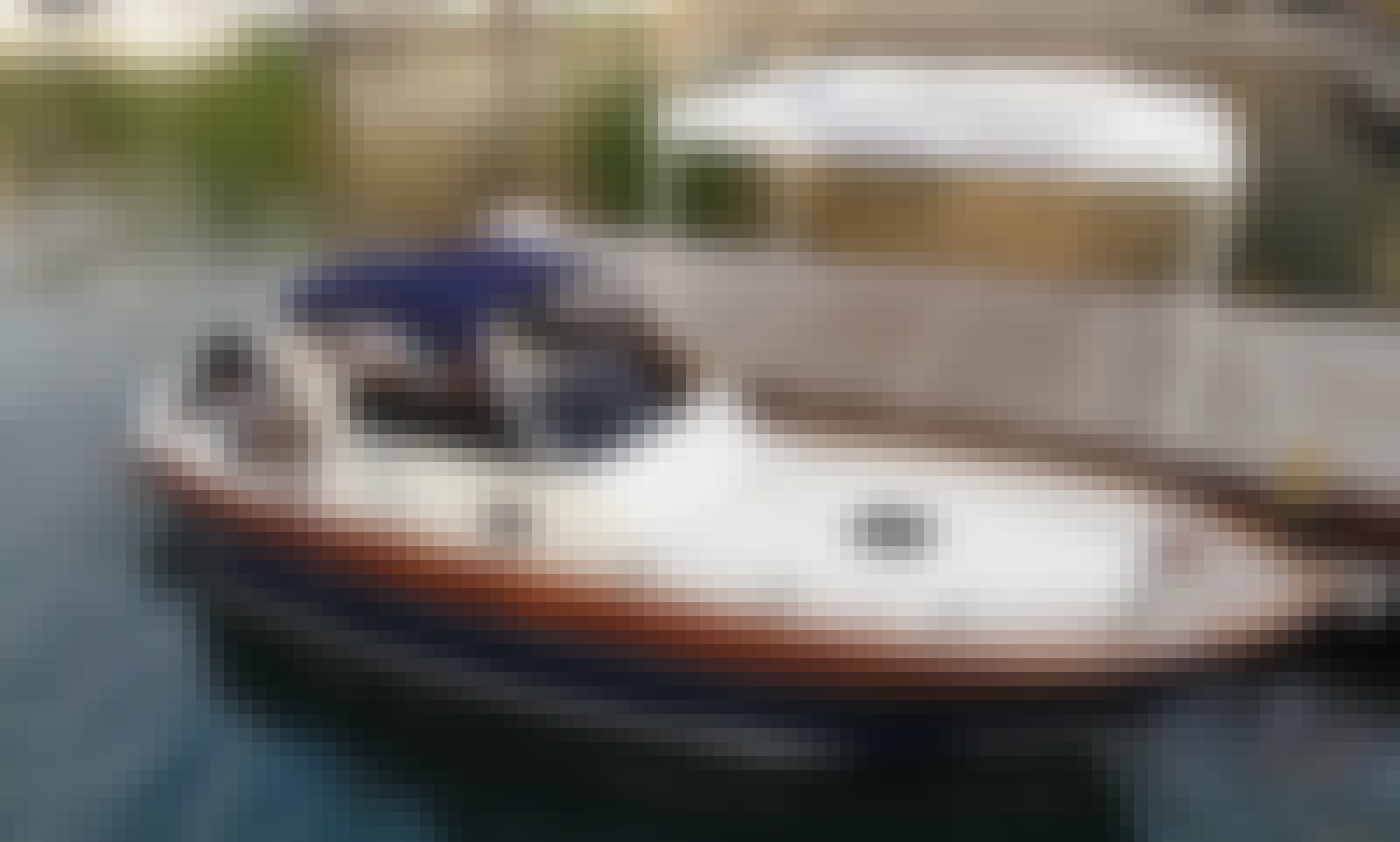 Reserve the 30' Apreaare Smeraldo Motor Yacht in Positano, Campania