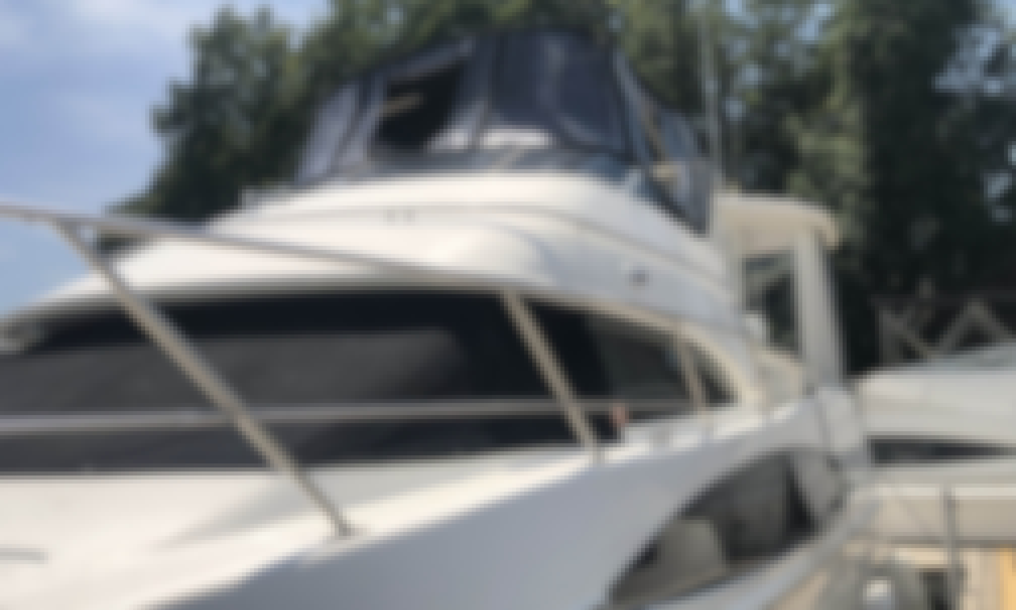 42' Carver Yacht with Captain, Lake Norman