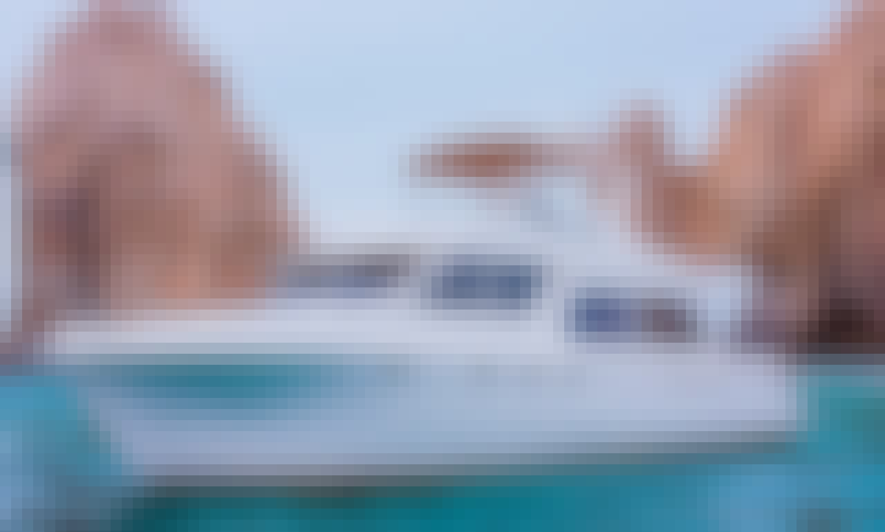 All Inclusive Luxury Yacht Charter for 16 People in Cabo San Lucas, Mexico