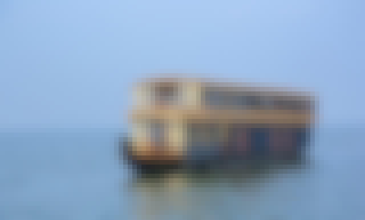 5 Bedroom Deluxe Houseboat Charter in Alappuzha, India