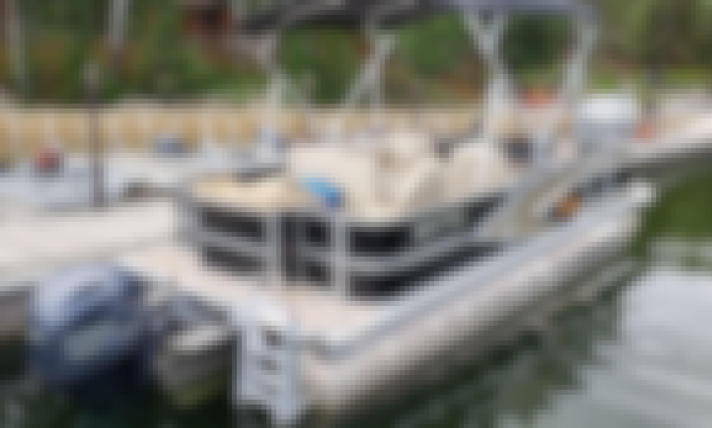 23' Lund Pontoon Rental on Lake of the Woods, Ontario, Canada