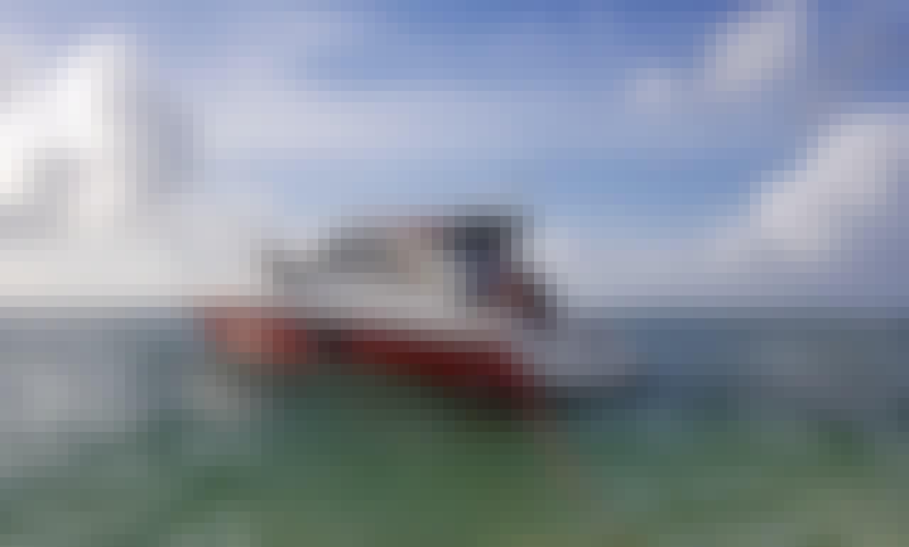 40' Cantieri Casa HT Motor Yacht Charter in Cayman Islands!