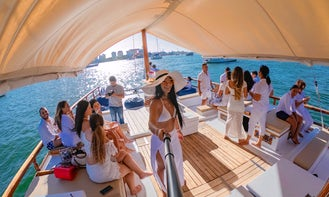 Great Catamaran for sunset cruise, lunch or dinner on board... and much more experiences!