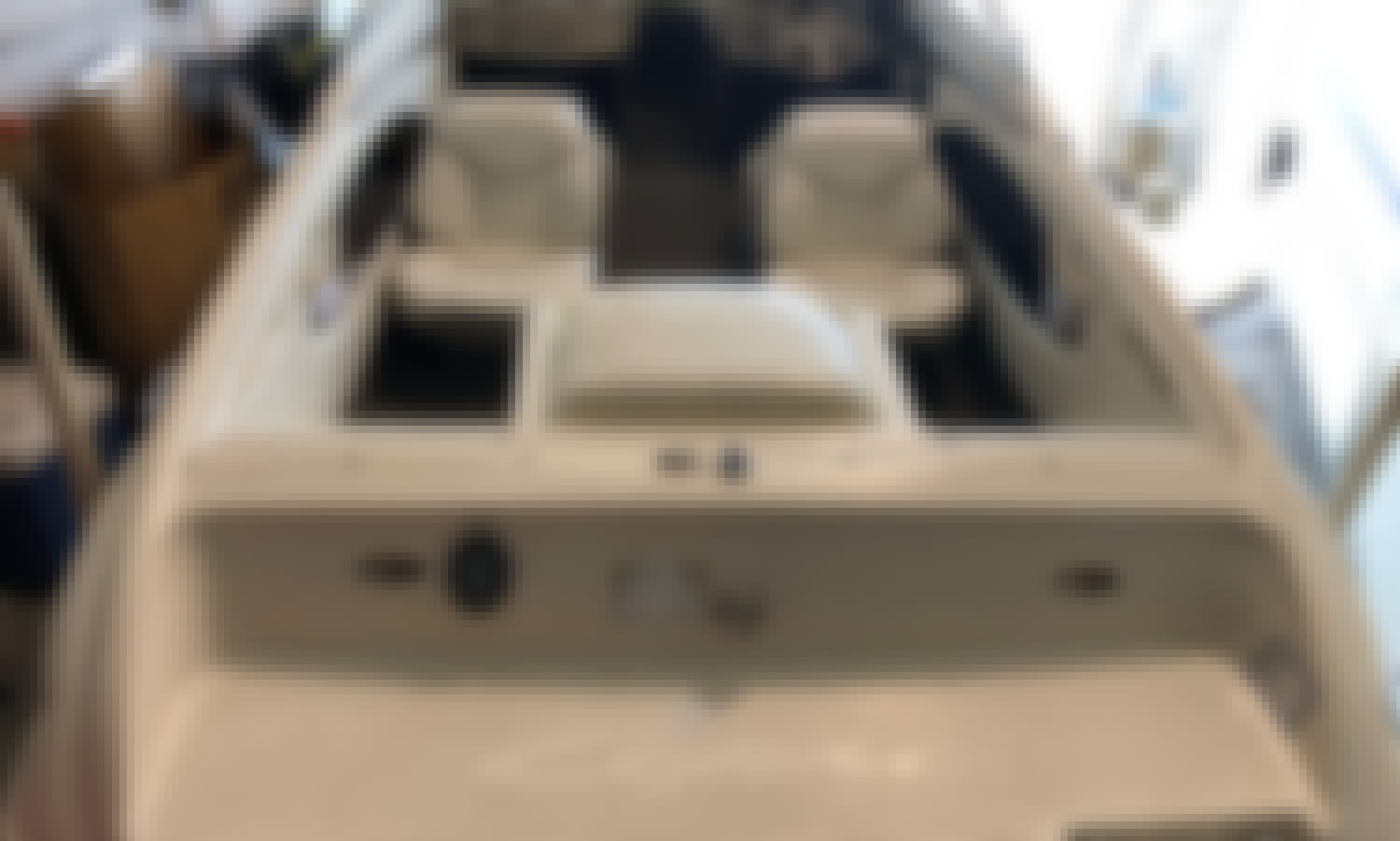 Buckeye Lake  Only - Rent 18' Bayliner Capri Bowrider!