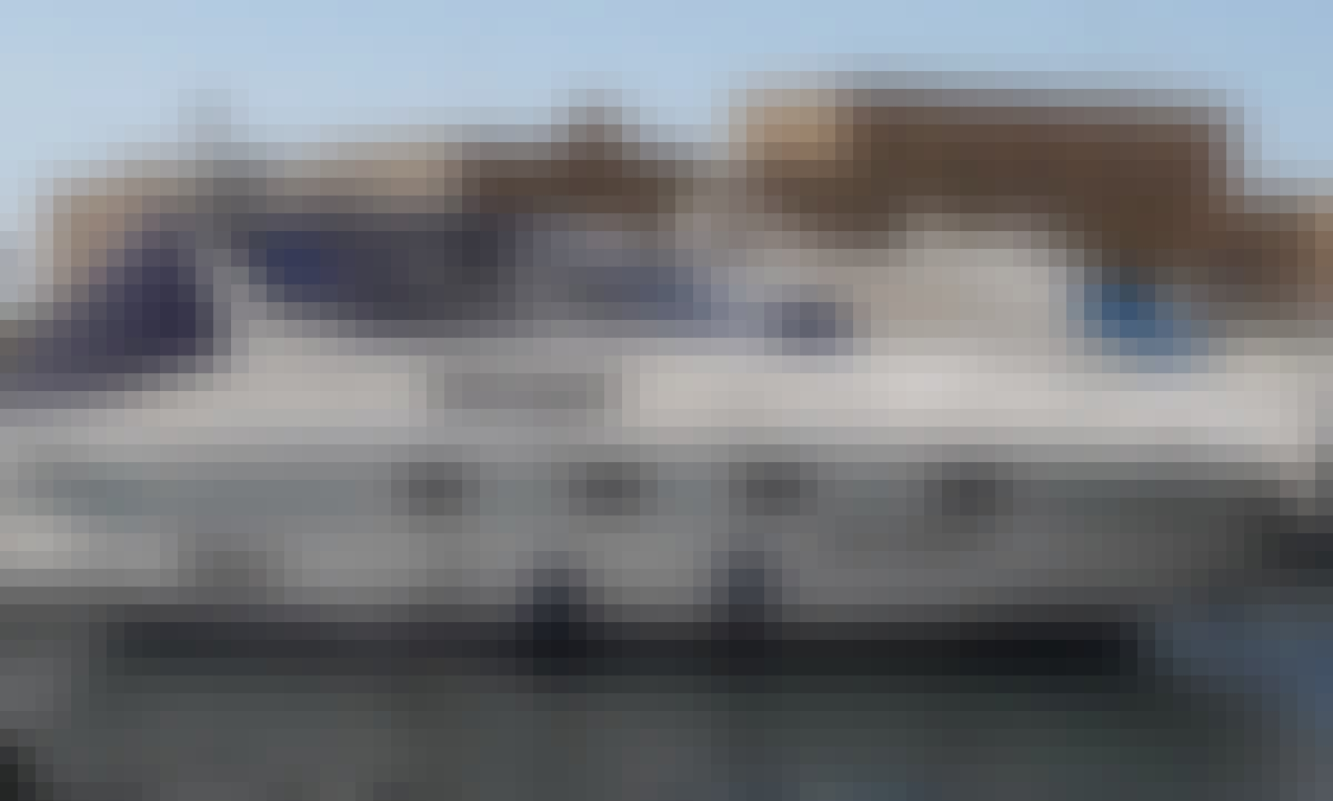 Sealine 36 Motor Yacht Charter for 9 People in Trapani, Italy