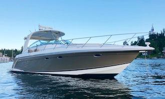 Charter a Beautiful 43' Formula Performance Cruiser Yacht
