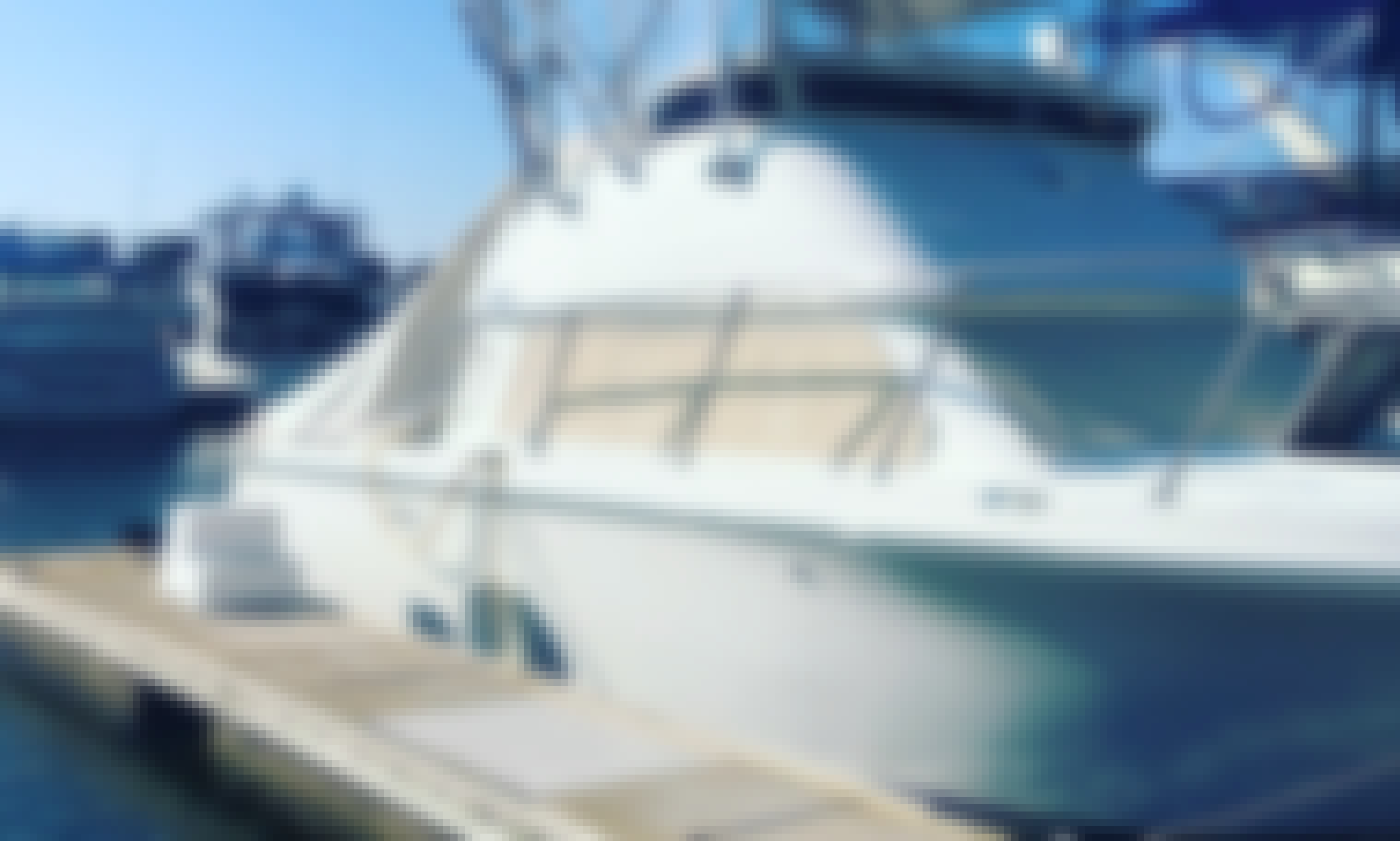 Captained Motor Yacht Charter For 10 People in Huntington Beach, California