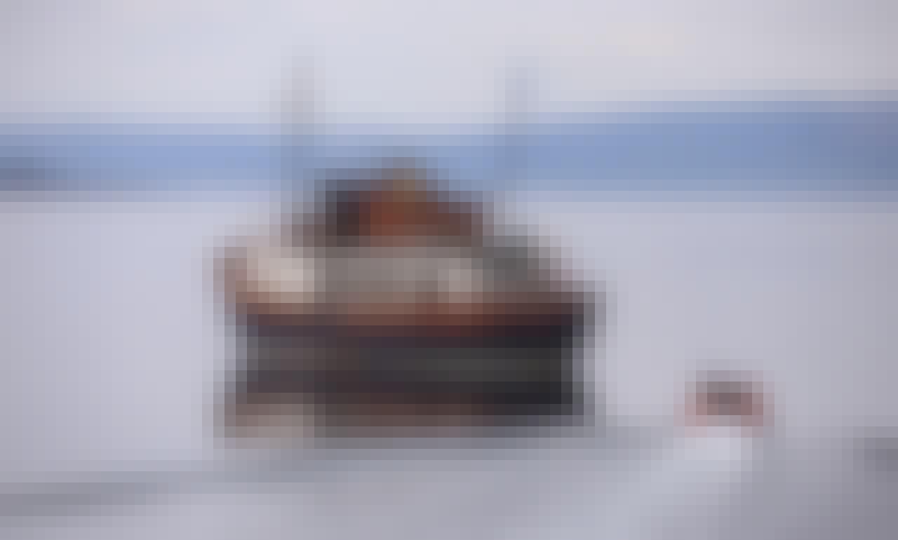 Glen Tarsan Trawler, Charter Private Cruise, Sandbank Scotland