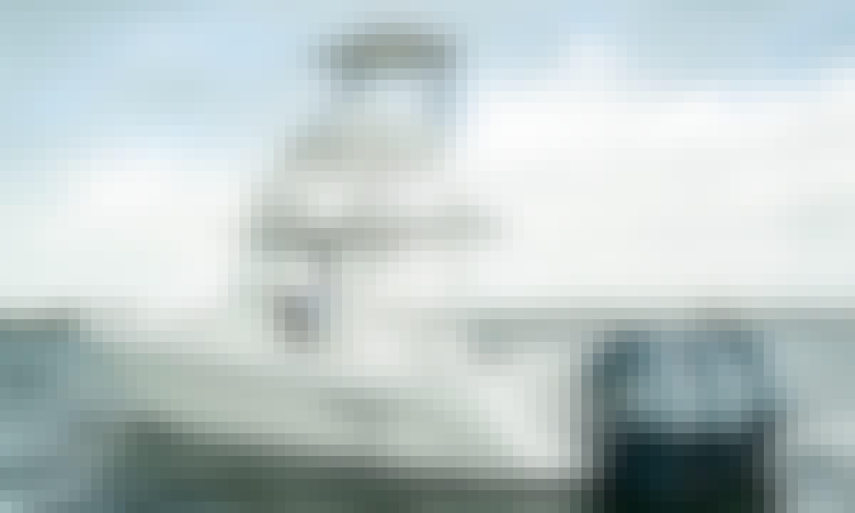 8 Person Everglades Center Console Boat Rental in Islamorada, Florida