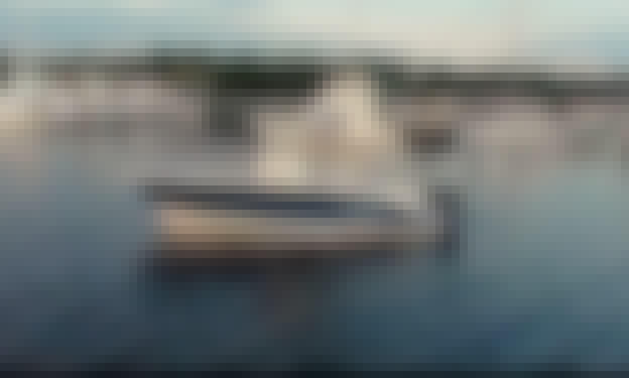 10 Person Trophy Pro Boat rental in Miami w/ Captain