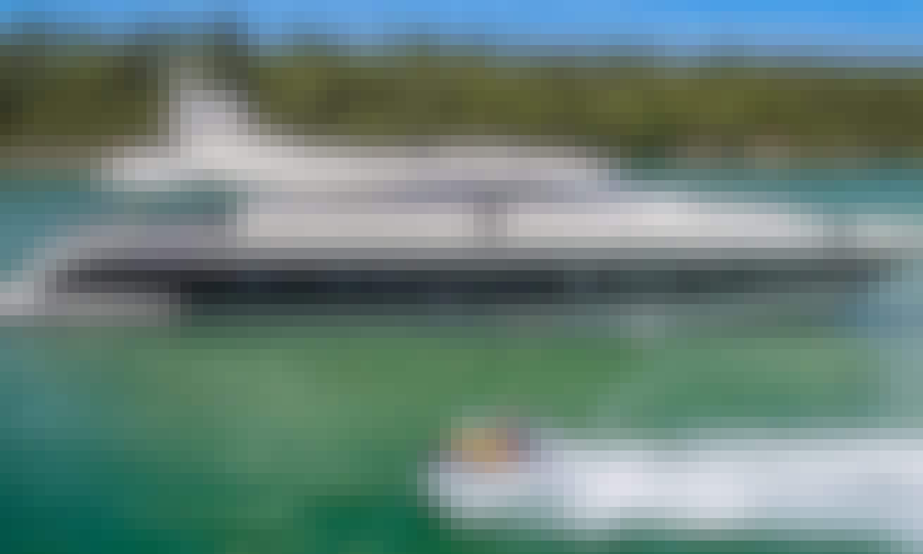 "101ft ""Friday"" Leopard Power Mega Yacht in Miami Beach, Florida"